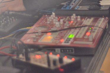 Elektronische Musik-Jam im Grünen